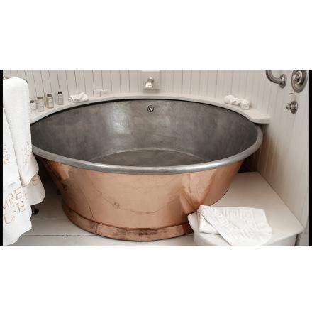 Runt badkar 160 cm, Insida blank koppar, utsida blank koppar